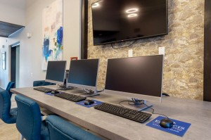 One Bedroom Apartments for Rent in Houston, TX - Cyber Cafe